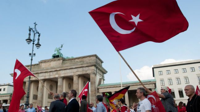 A demonstration march of several Turkish associations passes the Brandenburg Gate in Berlin, organized by several Turkish associations and is directed against the Bundestag vote on an Armenia Resolution on 02 June 2016. EPA, Klaus-Dietmar Gabbert