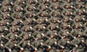 Εντυπωσιακή στρατιωτική παρέλαση για τα 25 χρόνια ανεξαρτησίας της Αρμενίας (φωτο)