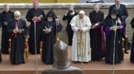 Ο Πάπας Φραγκίσκος ευλόγησε το άγαλμα του Αγίου Γρηγορίου Ναρεκατσί στους Κήπους του Βατικανού (video)